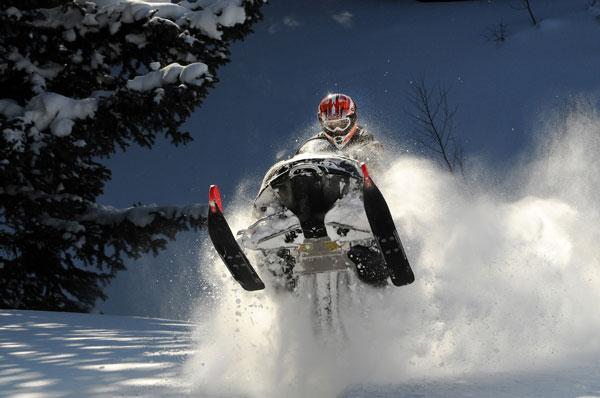 Extremem snowmobiling